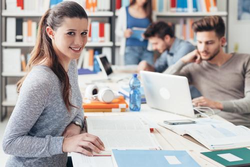 Utiliser les réseaux sociaux pour le sourcing étudiant