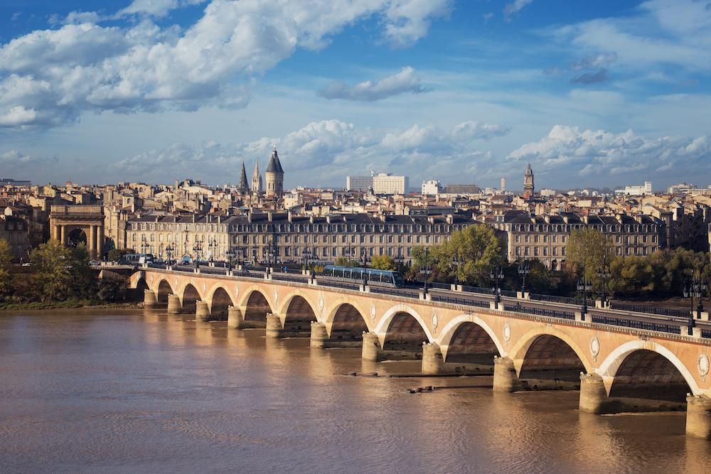 Accueil téléphonique externalisé depuis Bordeaux